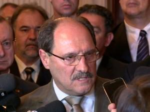 José Ivo Sartori governador Palácio Piratini Rio Grande do Sul parcelamento dos salários (Foto: Reprodução/RBS TV)