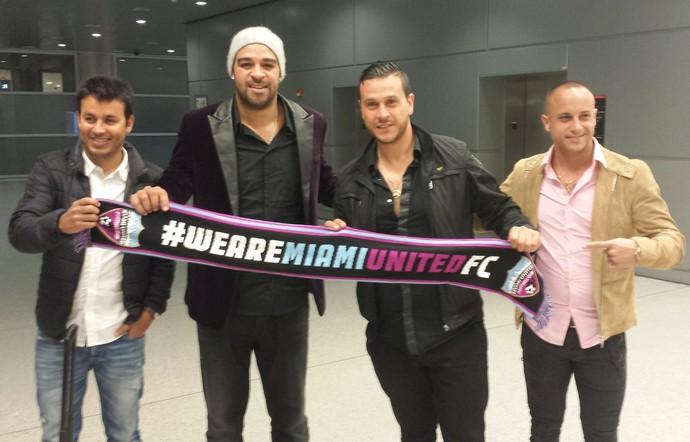 Adriano Miami United chegada (Foto: Fabricio Marques)