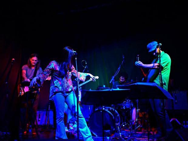 Banda Pa Moreno e os Tetraldas se apresentam no Sesc de Piracicaba (Foto: Jarine Sass/Divulgação)