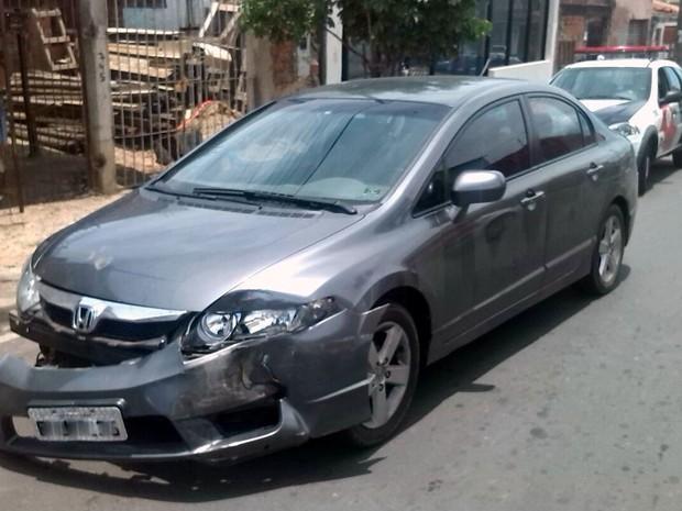 Carro usado por trio durante assalto em Piracicaba (Foto: Divulgação/PM)