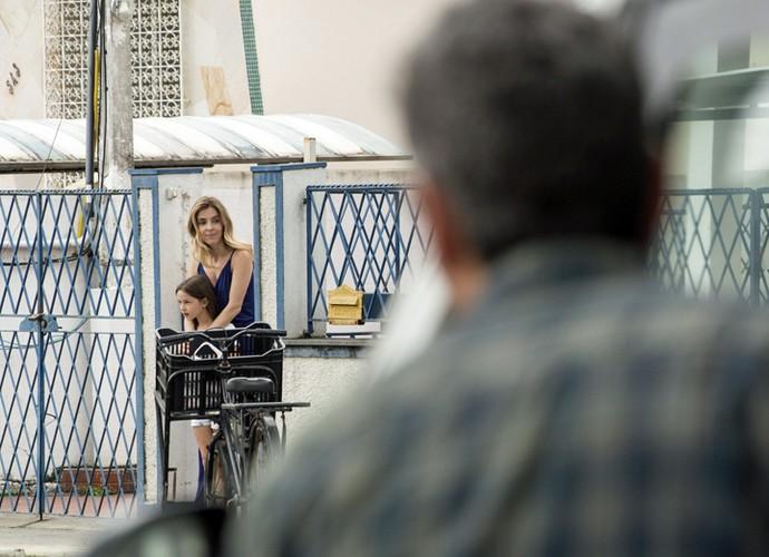 Romero vê Kiki, sua ex-mulher, dada como morta há cerca de dez anos (Foto: Felipe Monteiro/ Gshow)