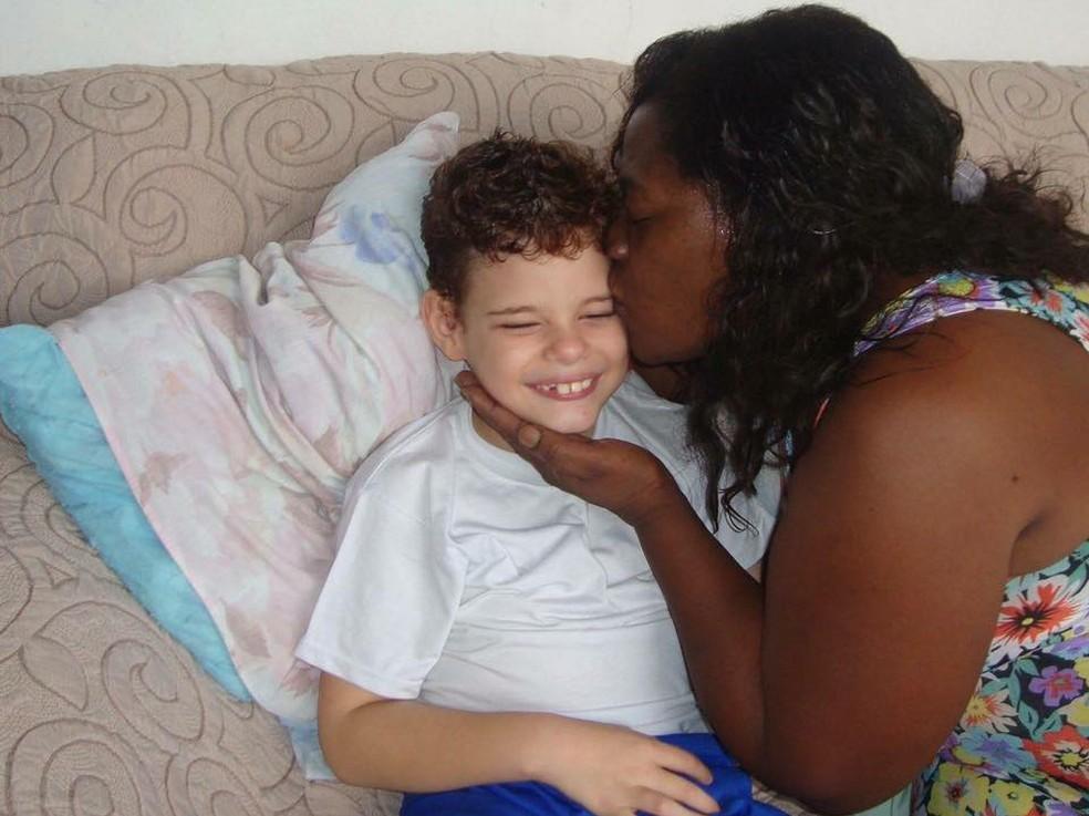 Maristela quer ver melhora do filho (Foto: Maristela Carvalho/Arquivo Pessoal)