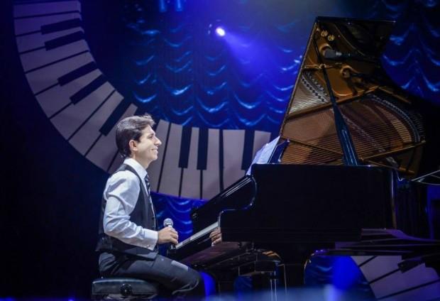 Pianista Felipe Adjafre (Foto: RioMar/G1/Divulgação)