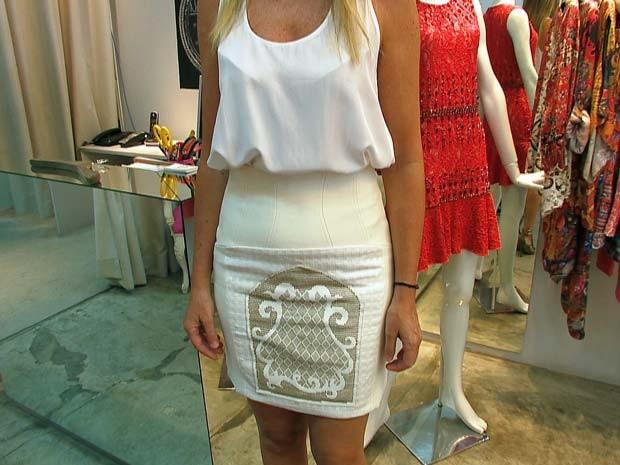 Blogueira de Juiz de Fora mostra como usar o branco da virada em outras ocasiões (Foto: Reprodução/TV Integração)