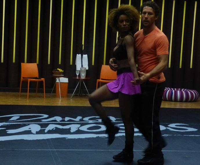 Flávio Canto foca para ganhar 'faixa azul' no 'Dança' (Foto: Gshow)