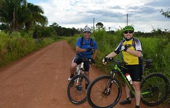 Vizinhos trocam carros por bicicleta nos dias de folga em Porto Velho