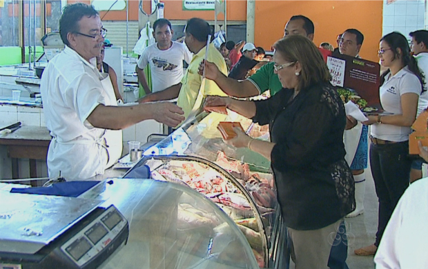 No mercado municipal, o peixe é um dos principais alimentos comprados (Foto: Bom Dia Amazônia)