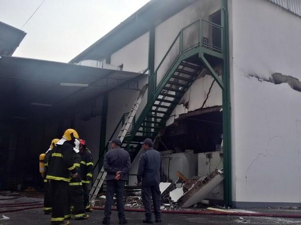 Pelo menos 25 pessoas foram socorridas com ferimentos para hospital em Pouso Alegre (Foto: EPTV)