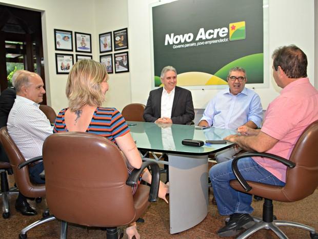 Reunião ocorreu na tarde desta quinta-feira (5) em Rio Branco (Foto: Caio Fulgêncio/G1)