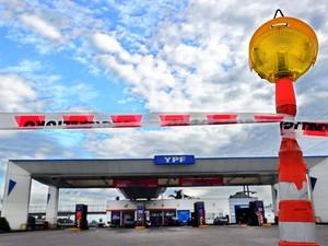 Posto de gasolina fechado na cidade de Benavidez, província de Buenos Aires (Foto: Daniel Garcia /AFP)