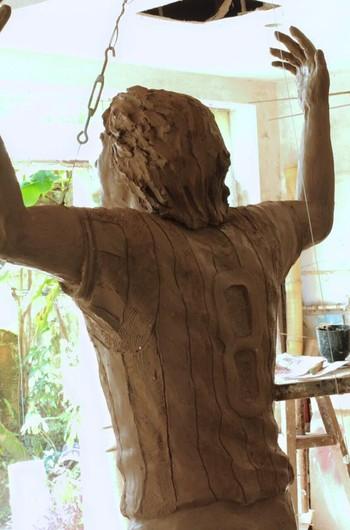 estátua dirceu krüeger molde (Foto: Divulgação)