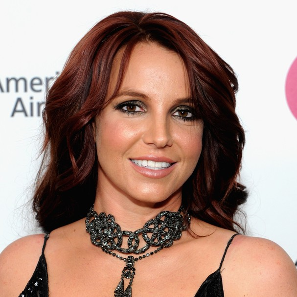 Pouco tempo depois de furtar uma peruca, Britney Spears também não pagou por um isqueiro em um posto de gasolina e admitiu o roubo para os fotógrafos que estavam do lado de fora do estabelecimento (Foto: Getty Images)