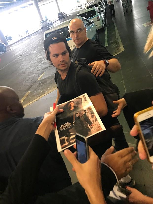Dylan O'Brian desembarca em São Paulo (Foto: AgNews)