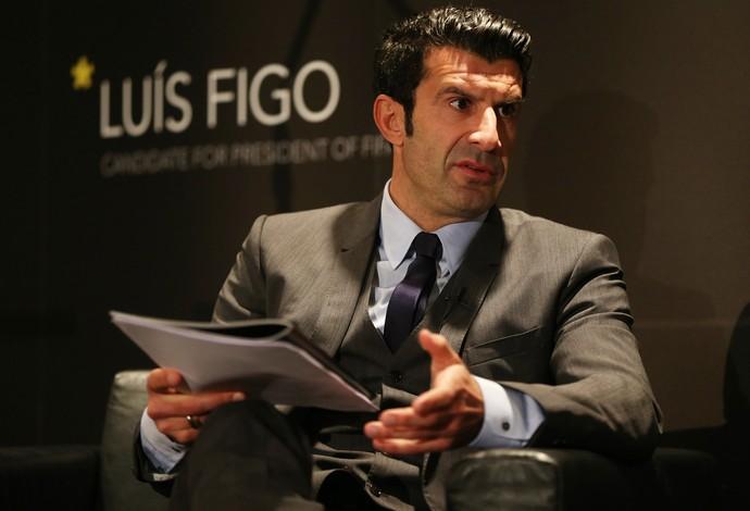 Figo lançando sua campanha para a fifa (Foto: Reuters)
