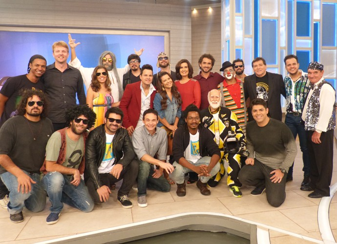Fátima Bernardes entre todos os convidados do programa (Foto: Gshow)