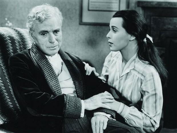 Charles Chaplin e Claire Bloom em cena de 'Luzes da ribalta' (1952) (Foto: Divulgação)