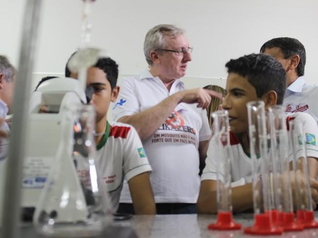 Ministro Celso Pasera, esteve em Teresina para mobilizar população contra o Aedes (Foto: Fernando Brito/G1)