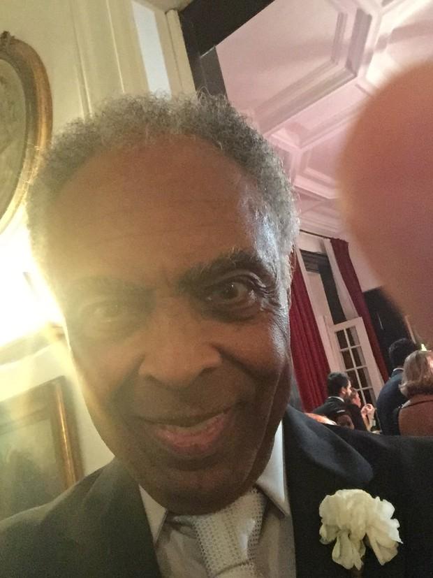 Selfie de Gilberto Gil no casamento de Preta Gil (Foto: EGO)