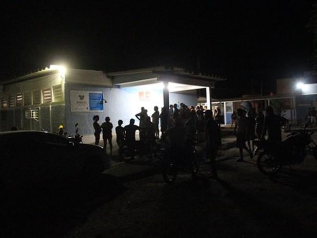 Após o ataque, vítimas dos criminosos foram socorridos aos hospital de Caraúbas  (Foto: Gidel Morais/Icém Caraúbas)