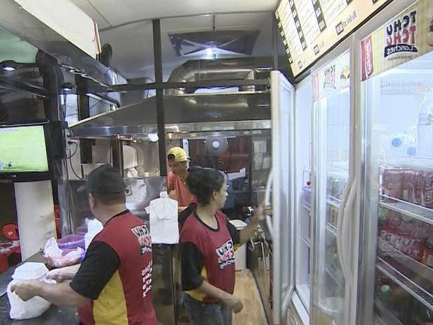 Ônibus lanchonete  (Foto: Reprodução/TV Vanguarda)