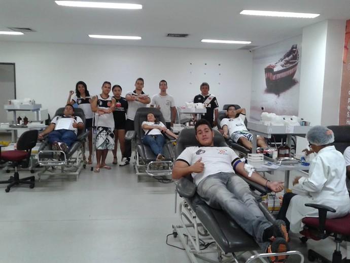 Torcida Vasco doa sangue no Piauí (Foto: Divulgação)