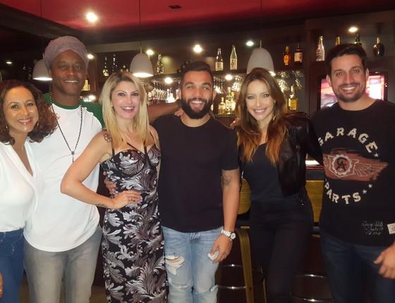 O casal Regina e Toni Garrido, Antonia com o ex,  Jonathan Costa e a atriz Renata Dominguez ao lado do marido, Marcio Brüzzi   (Foto: Divulgação)