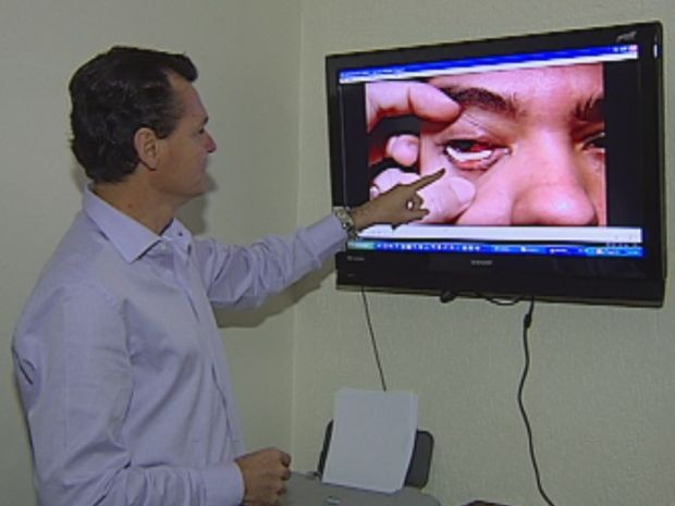 Professora de Lins passou por série de exames no Hospital dos Olhos  (Foto: reprodução/TV Tem)