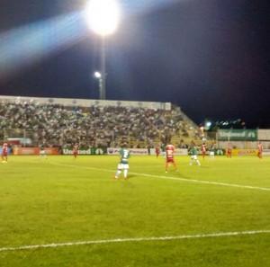 Caldense e Tombense se enfrentam no Estádio Ronaldão (Foto: Filipe Martins)