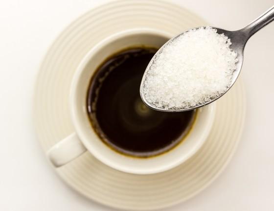 Café com açúcar (Foto: Thinkstock)