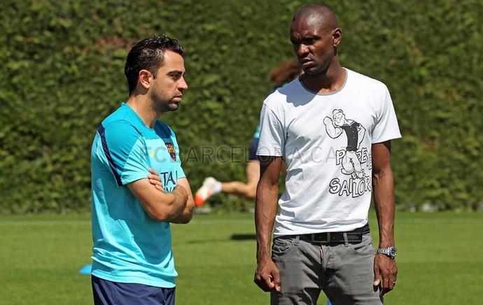 Barcelona Abidal visita treino (Foto: Reprodução - Site oficial Barcelona)