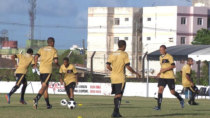 Botafogo-PB treina na Maravilha do Contorno, Paraíba, João Pessoa (Foto: Reprodução / TV Cabo Branco)