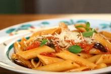 'Cozinha Prática com Rita Lobo' - Ep. 12 - Penne ao molho de tomate e azeitona de uma panela só