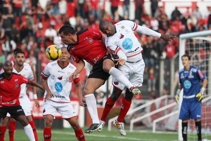Jogando em casa, Brasil de Pelotas bateu o Ituano e garantiu liderança do grupo na Série D (Foto: Divulgação/Brasil de Pelotas)