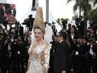 Apresentadora russa chama a atenção com look bizarro em Cannes