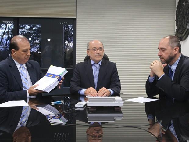 entrega TCU pedaladas (Foto: André Dusek/Estadão Conteúdo)