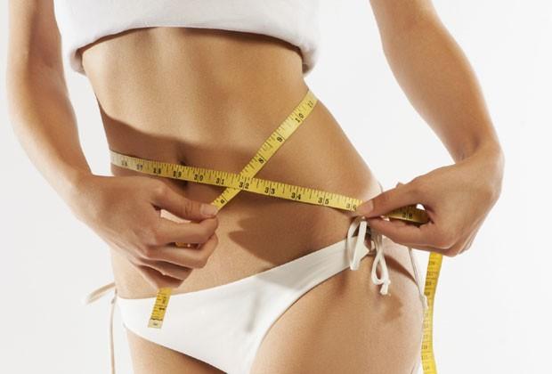 Oito maneiras de diminuir sua barriga sem fazer dieta