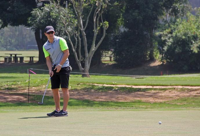 Dagoberto joga golfe Vasco futebol (Foto: Fabio Vicente/CBG)