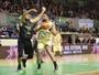 Relembre a campanha invicta do Mogi no título sul-americano de basquete