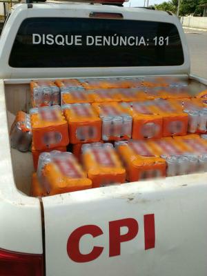 Carga apreendida foi levada para a Receita Federal (Foto: Divulgação/ Polícia Militar)