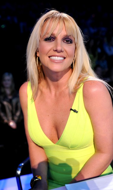 Britney Spears posa nos bastidores do 'The X Factor' (Foto: Getty Images/ Agência)
