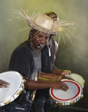 Thiaguinho em apresentação nos Festejos Juninos de Santo Antônio de Jesus, na Bahia (Foto: Fred Pontes/Divulgação)