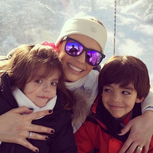 Carol celico e filhos (Foto: Reprodução/Instagram)