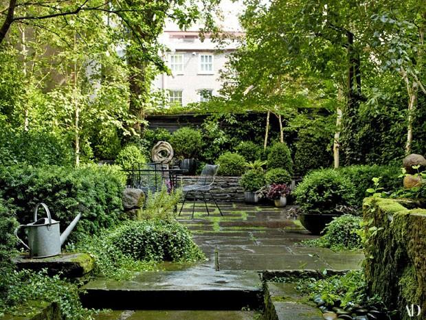 O espetacular jardim de Julianne Moore (Foto: Reprodução Architectural Digest)