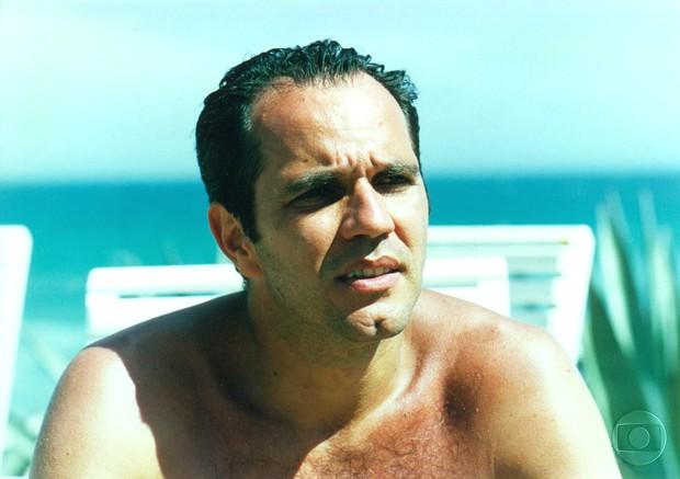 Humberto Martins descamisado na novela Corpo Dourado (Foto: CEDOC)