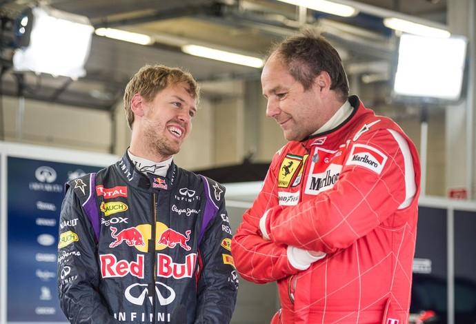 Gerhard Berger e Sebastian Vettel durante o evento promocional da RBR na Áustria (Foto: Divulgação / RBR)