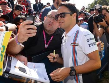 Nova camisa da Williams, de Felipe Massa, é bastante elogiada pelo paddock (Foto: AFP)