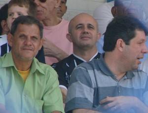 Robson Santana, presidente da Desportiva, e Maurício Duque, presidente do Rio Branco-ES (Foto: Igor Gonçalves/Globoesporte.com)