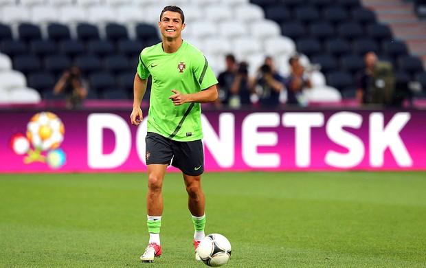 Cristiano Ronaldo no treino de Portugal (Foto: Getty Images)