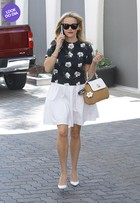 Look do dia: Reese Witherspoon aposta no estilo 'lady like'