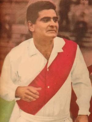 Luis Cubilla com a camisa do River Plate (Foto: domínio público)